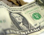 Долар подешевшає до 6 гривень