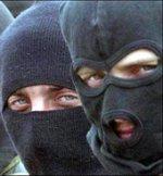 У Львові люди у масках прийшли до СБУ, щоб випустили членів «Патріота України»