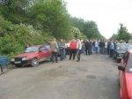 У Заставнівському районі люди перекрили дорогу, щоби добитися її ремонту ОНОВЛЕНО