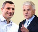 Кличко звинуватив Литвина в ганебній втечі перед голосуванням та почав вимагати розпуску теперішнього парламенту