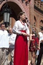 Дочка затриманого лікаря письменниця Леся Воронюк закликає захистити батька