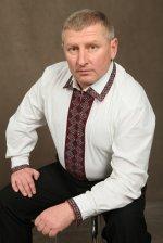 Народний депутат Зелик, уповноважений по Буковині, вважає, що нищення пам'ятників Бандері та Шухевичу є виявом боягузтва антиукраїнських сил