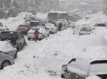 На Тернопільщині співробітники  міліції допомагають водіям, яких негода застала у дорозі