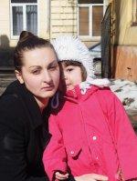 """У буковинки забирають дитину в Румунію - дослідження газети """"Час"""""""