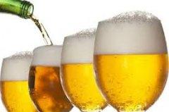 В Україні можуть подорожчати вино, пиво і цигарки