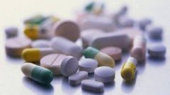 Замість медикаментів українців лікують препаратами для тварин?