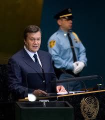 Янукович втік від Европи