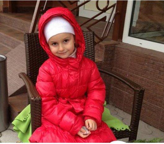 Допоможіть 5-річній чернівчанці Єлизаветі Скорик