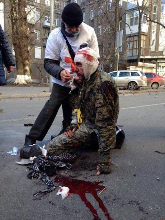 У Києві медики рятують поранених активістів прямо на місцях