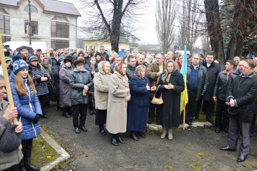 У селищі Берегомет Вижницького району вшанували пам'ять загиблих  у Києві