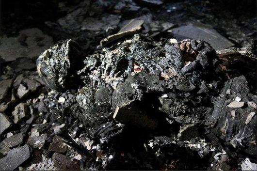 У пожежі у будинку профспілок загинули десятки людей (ОБЕРЕЖНО: шокуючі фото)