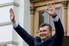Янукович втікає з країни