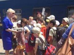 Чернівці готові приймати дітей з Донбасу, терористи не відпускають їх