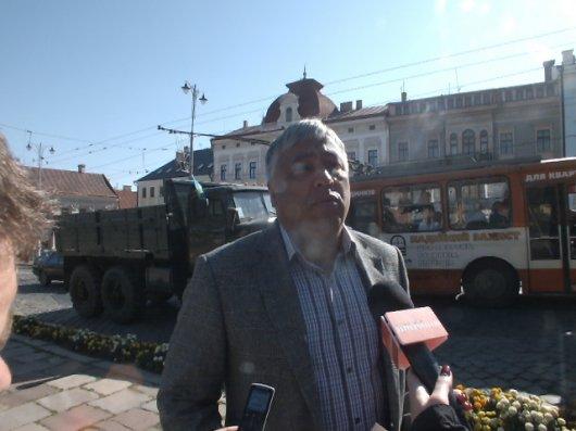 Депутати Чернівців — воїнам України