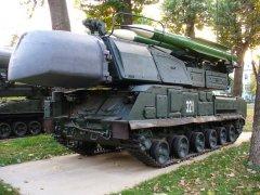 """Росія продовжує постачати зброю бойовикам: в Україну перекидають ЗРК """"Бук"""" і танки"""