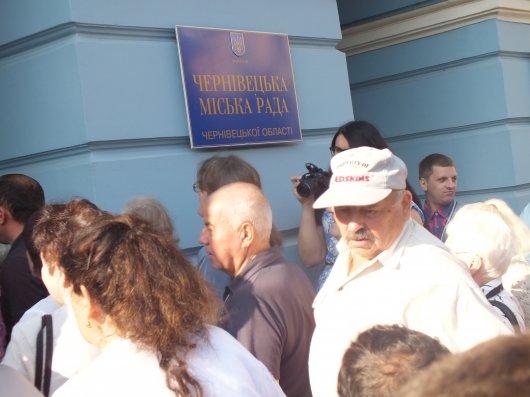Ціни на проїзд у Чернівцях поки не підніматимуть (фото і відео)