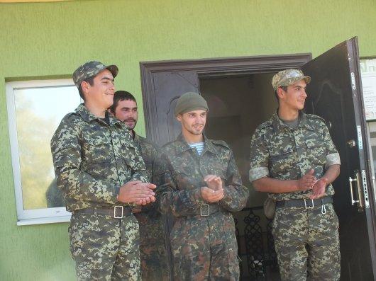 Ще одинадцять воїнів-буковинців повернулися із зони АТО (фоторепортаж)