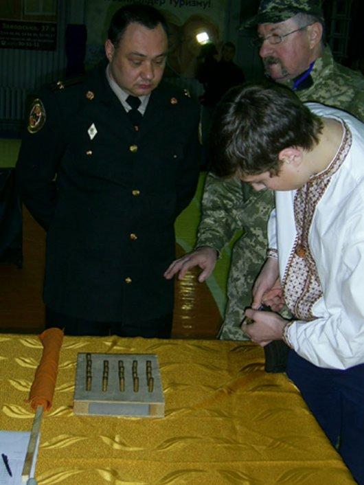 У Чернівцях пройшов міський етап військово-спортивної патріотичної ігри «Захисник»