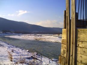 На Буковині відновлять пішохідний міст, що з'єднує Франківську та Чернівецьку області