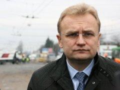 У Львові знову обстріляли будинок мера Садового