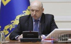 Турчинов не виключає повномасштабної війни