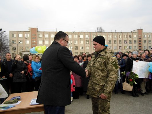 220 десантників повернулися на Буковину (фото)