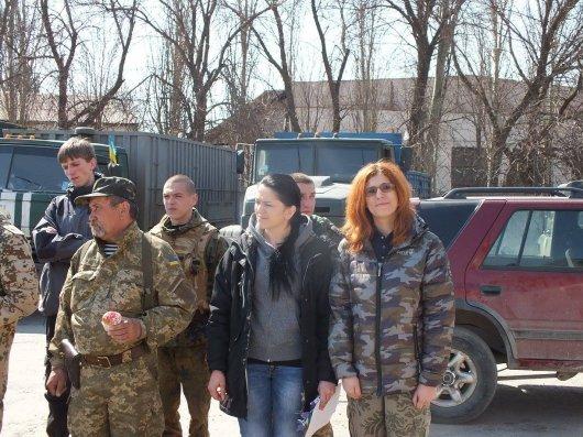 Волонтери з Буковини святкували Великдень на передовій