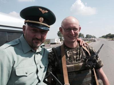 У зоні АТО служить двійник Яценюка