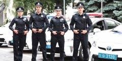 Нові патрульні у перший день служби спіймали крадіїв та п'яних міліціонерів за кермом