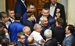 Нардеп з Буковини Віктор Король захистив голову Державної фіскальної служби від Парасюка