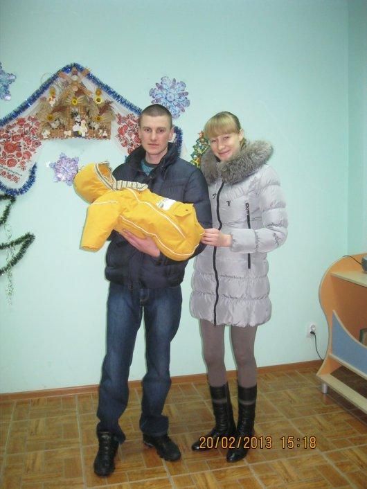 ГЕРОЇ НЕ ВМИРАЮТЬ! Дружина загиблого Максима Доника вірить, що чоловік щомиті присутній біля них із синочком