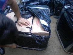 На Буковині правоохоронці затримали мікроавтобус з 12 ящиками цигарок