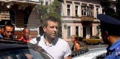 В Одесі за колорадську стрічечку вже б'ють по морді (ВІДЕО)
