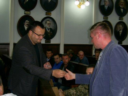 Мер міста Чернівці вручив відзнаки учасникам АТО