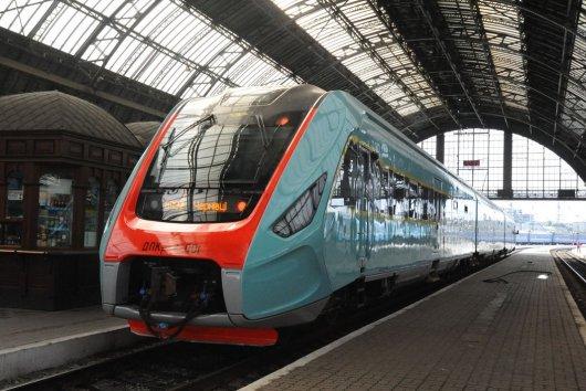 Між Львовом та Чернівцями запускають швидкісний дизель-поїзд із кондиціонером (розклад руху)