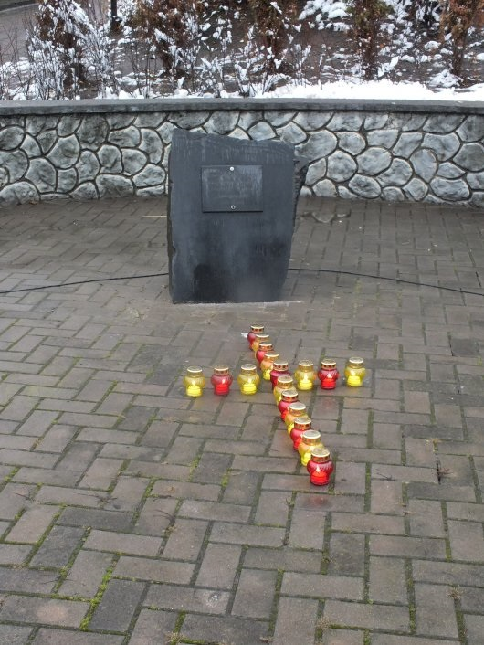 Бути чи не бути пам'ятнику жертвам голодомору в Чернівцях?