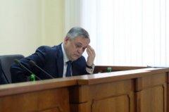 В Чернівцях корупціонера ніяк не звільнять з посади – він три місяці на лікарняному