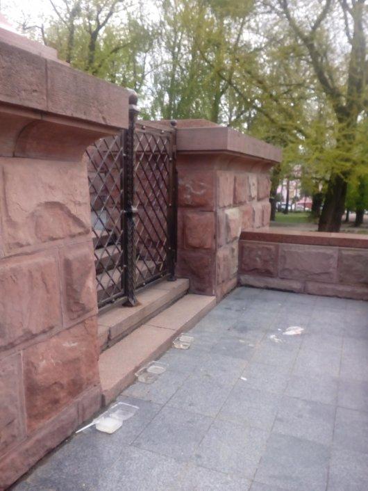 ТОП-10 «найприкріших» пам'ятників міста Чернівці