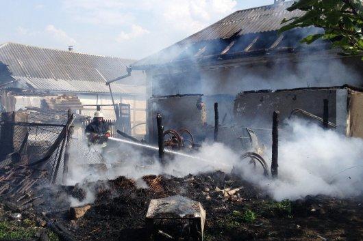 В Чернівецькій області протягом вихідних виникло 8 пожеж