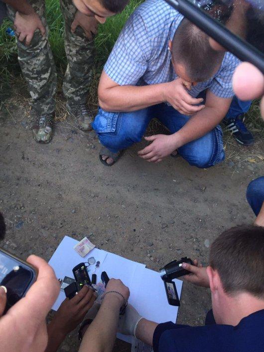 На Буковині СБУ затримала поліцейського-наркоторговця