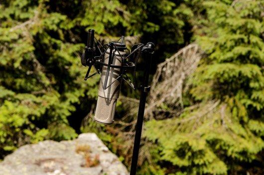 Співачка Руслана власноруч перенесла музичну студію на висоту 1500 м