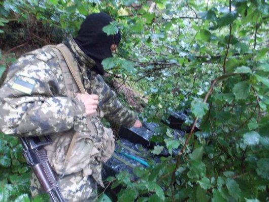 """На Буковині виявили черговий """"схрон"""" контрабанди"""