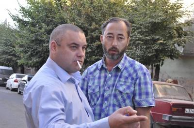 Сутичка у центрі Чернівців: чоловік, що назвався працівником прокуратури, відібрав посвідчення в інспектора благоустрою (ВІДЕО)