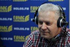 Олександр Мирний: Нинішня влада хоче розбагатіти в Україні, а жити – за її межами