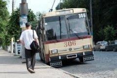 У Чернівцях вартість проїзду в тролейбусах може зрости до трьох гривень, а перевізники задовольняться п'ятьма