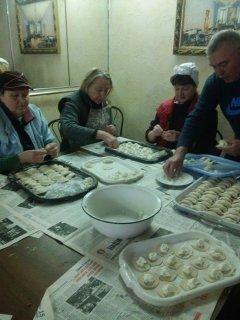 Чернівецькі волонтери  готують для бійців АТО страви «на замовлення»