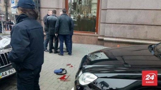 На місці вбивства Вороненкова вилучили 20 гільз