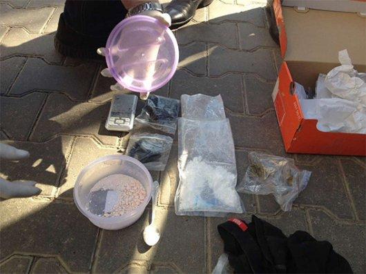 На Буковині затримано групу наркоторговців