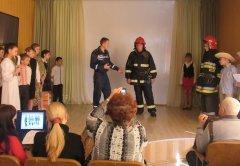 Школярам Хотинщини розповіли про особливості професії рятувальника