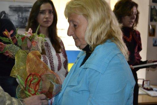 У Чернівцях вручили пам`ятні нагороди матерям учасників АТО